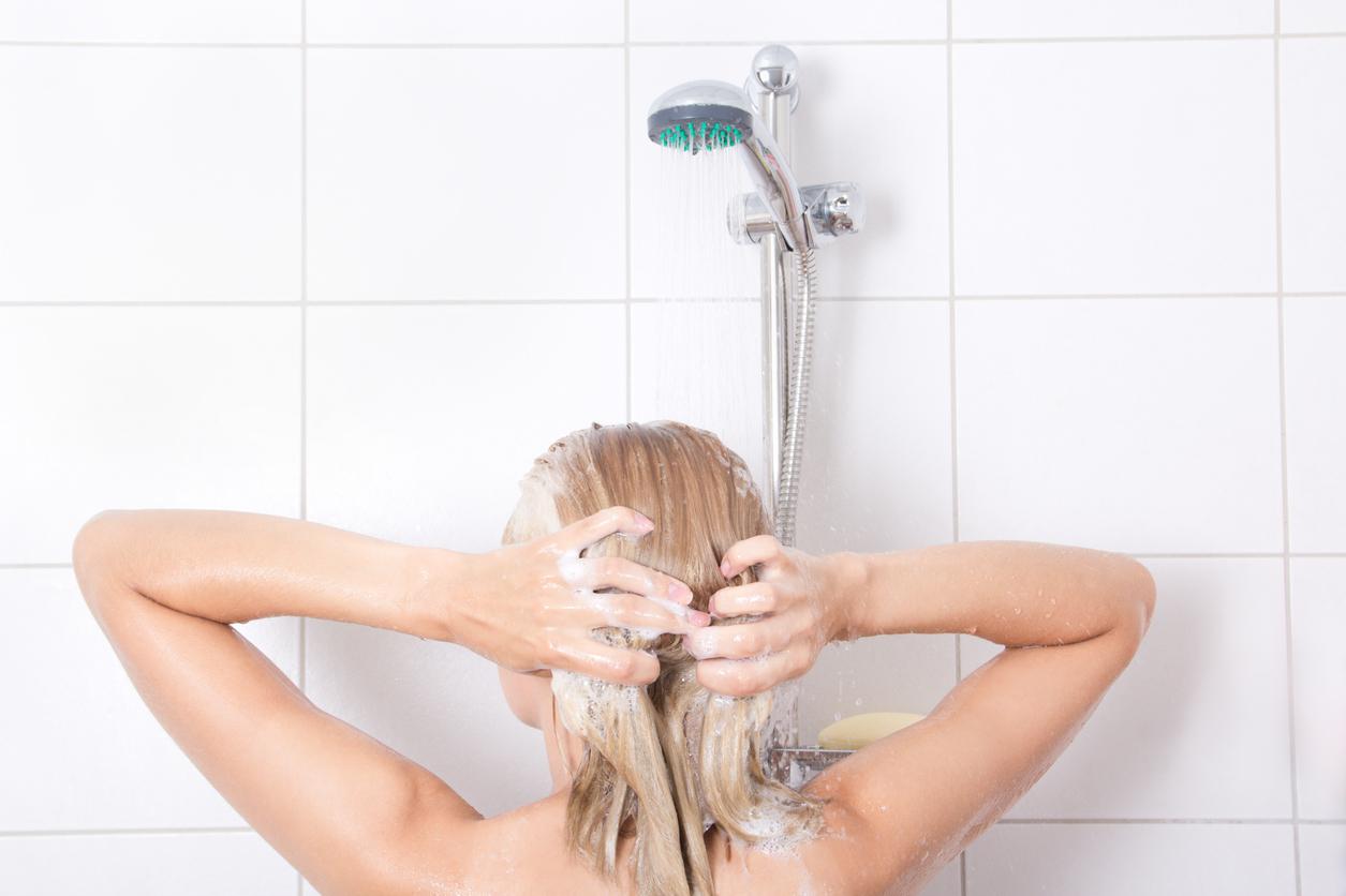 O cuidado com a higiene íntima da mulher é muito sensível e precisa de atenção. Saiba como cuidar da vagina, evite irritações e inflamações.