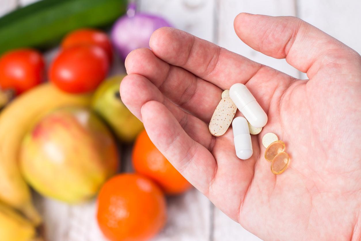 Muitos usam suplemento alimentar sem saber a função do produto. Ganhar massa muscular, repor gastos calóricos, entre outros. Saiba mais sobre suplementos.