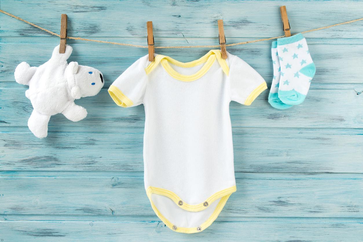 Lavar roupinhas do bebê é sempre uma atenção dos pais antes de ir para a maternidade. Veja dicas que preparamos para esse momento tão especial da vida.