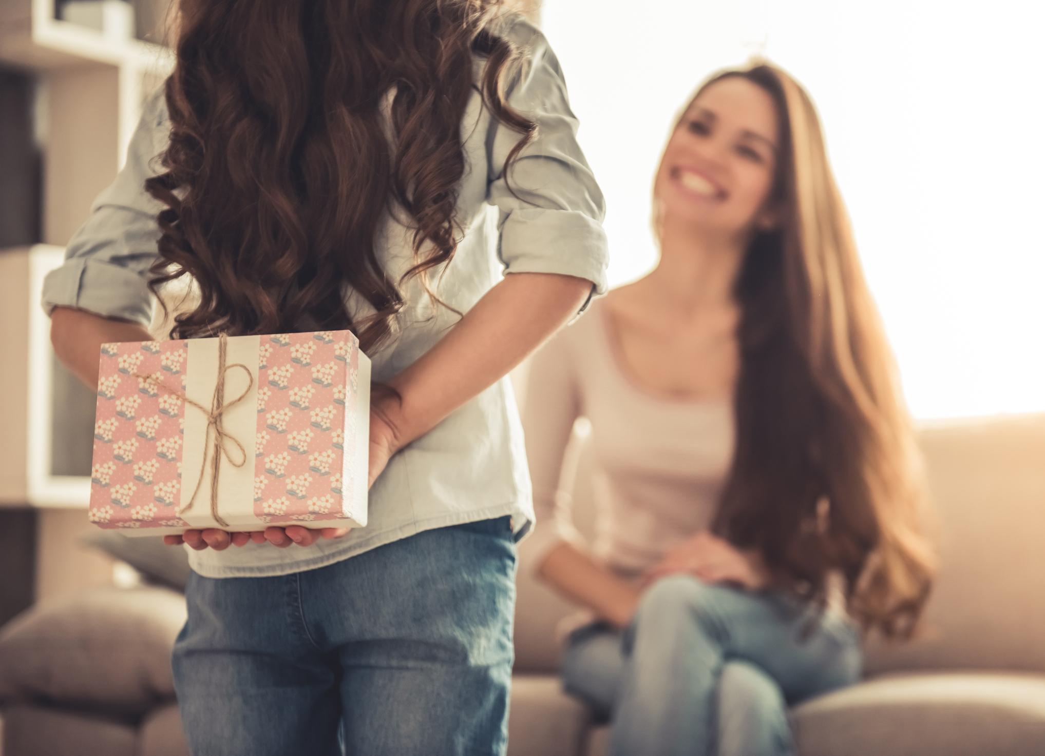 Nem sempre o presente de fim de ano agrada ou serve e a hora da troca de presentes pode ser uma dor de cabeça. Saiba quais são os direitos do consumidor.