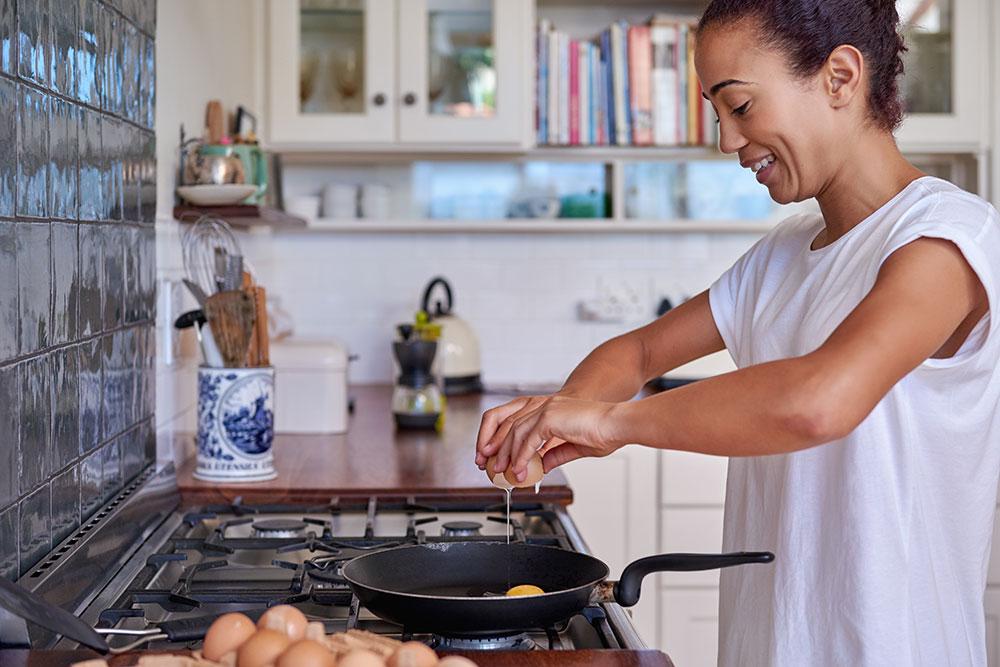 O ovo é uma duvida para muitas pessoas. Alguns dizem que é prejudicial e outro que é benéfico para a saúde. Saiba como adicionar o ovo à dieta.