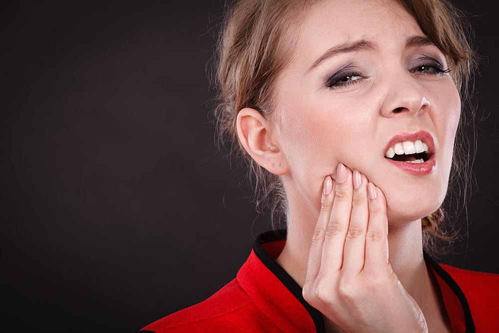 O estresse é um mal que afeta muitas pessoas. Por incrível que pareça, além de questões psicológicas, ele também afeta a saúde bucal.