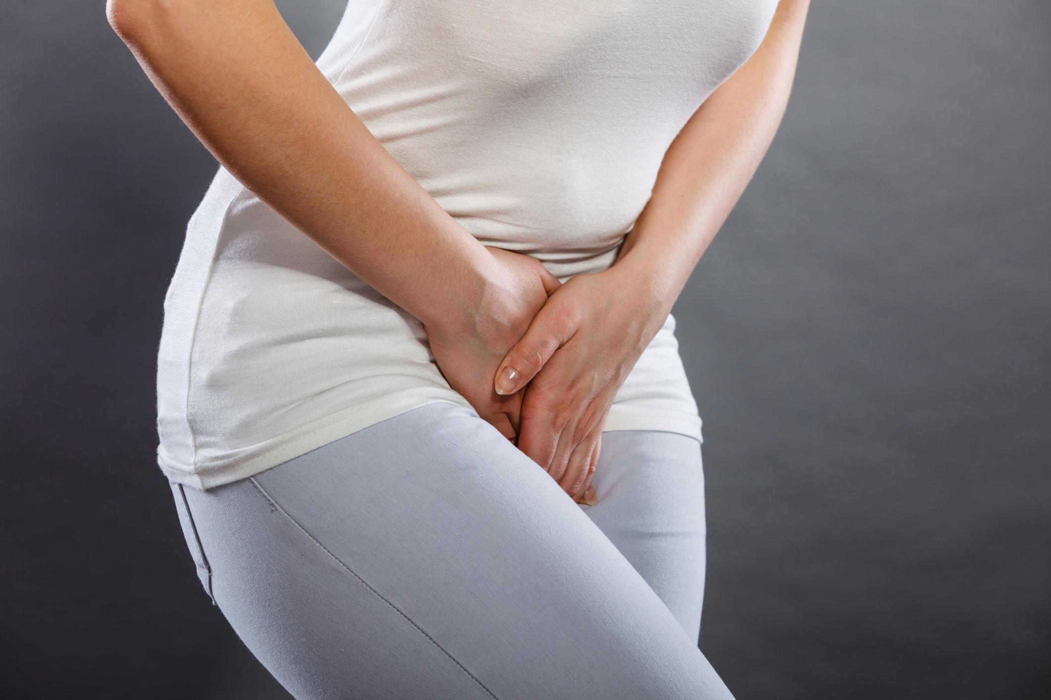 A infecção urinária é um incômodo para as mulheres. Veja dicas para evitar o problema e também saiba como se livrar das dores quando estiver com o sintoma.