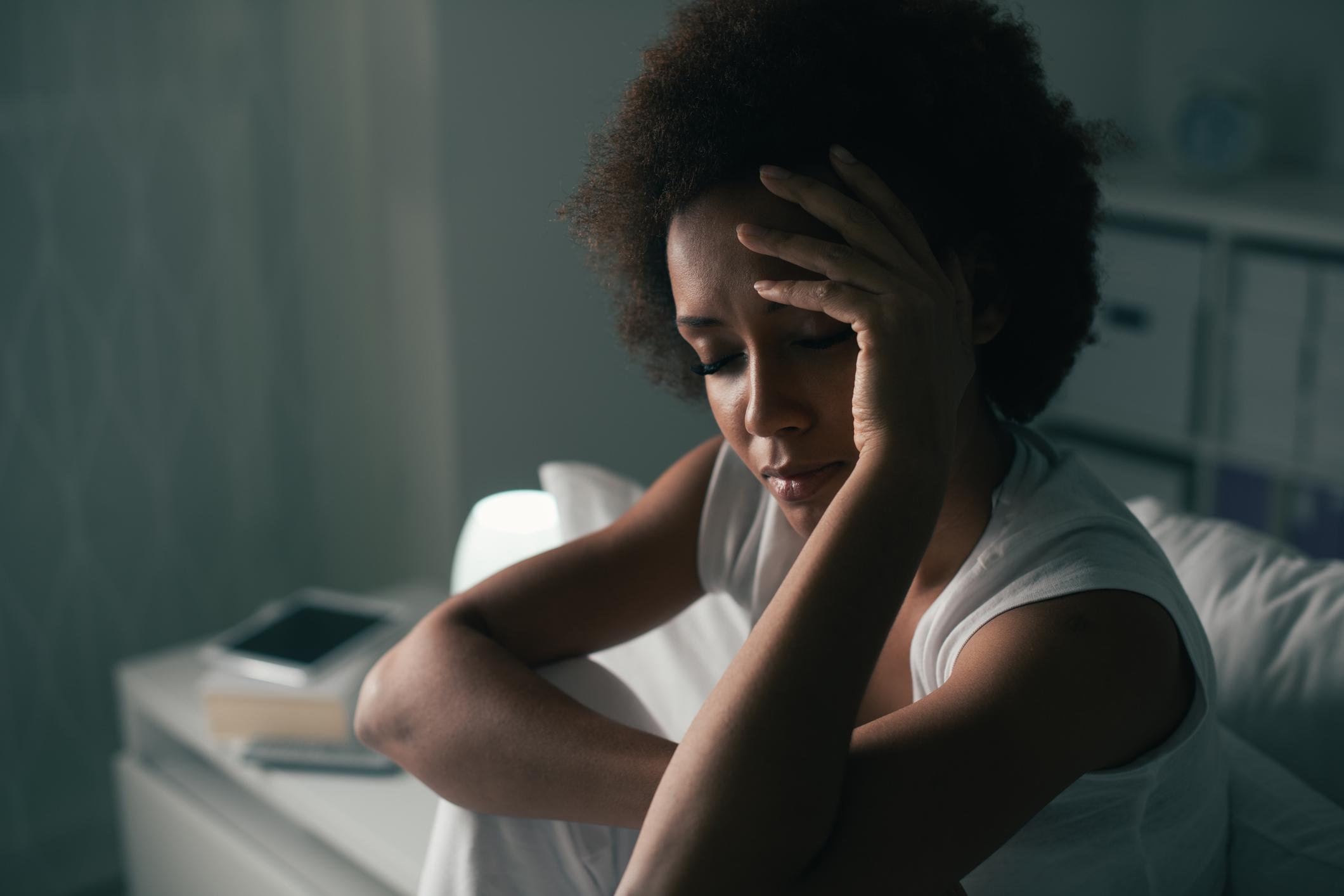 Mais de 40 milhões de brasileiros se sentem com dores latejantes graças a um problema muito comum atualmente: a enxaqueca.