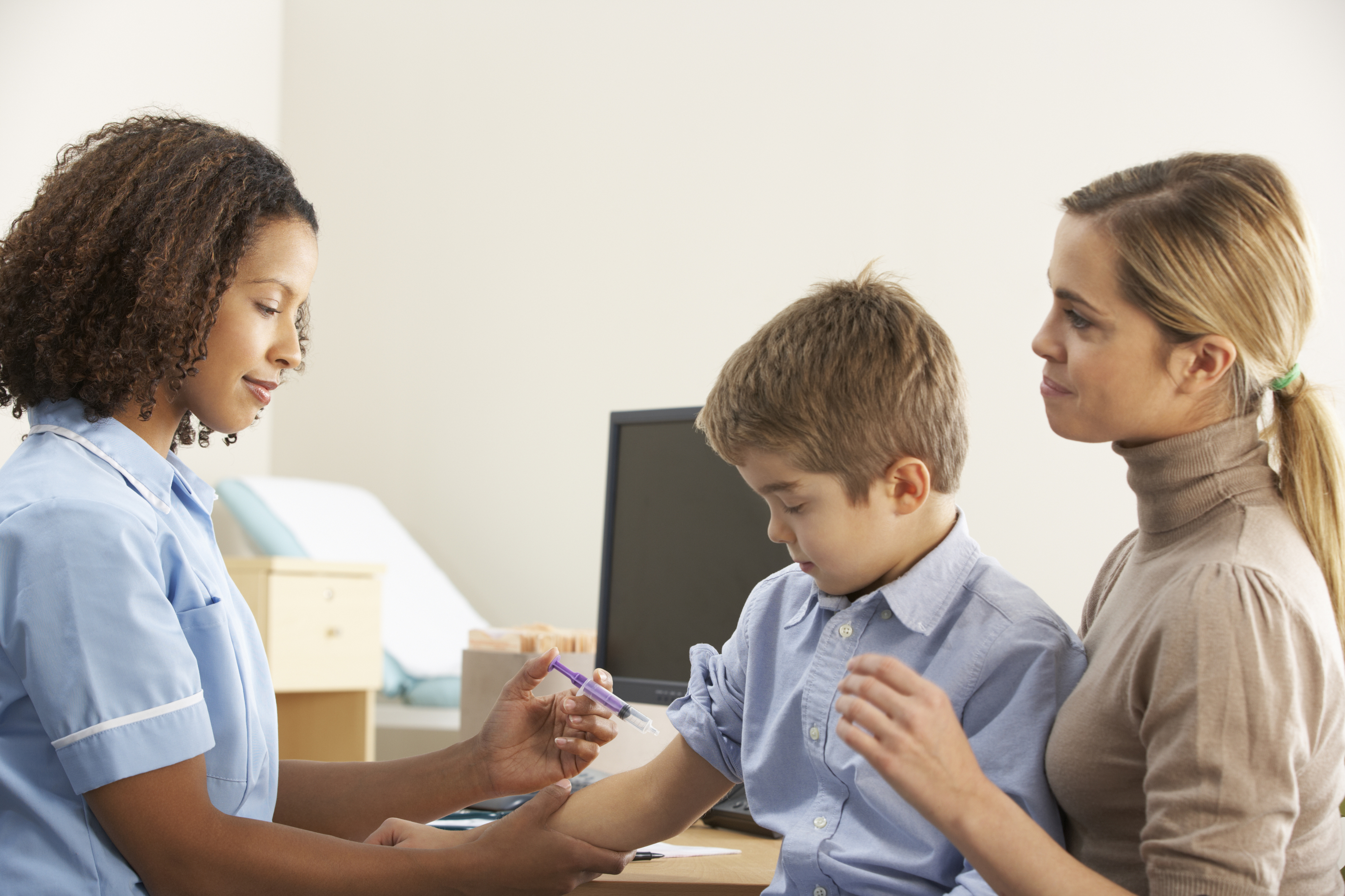 Uma novidade que pega de surpresa todos os casais de primeira viagem: o calendário vacinal dos pequenos.