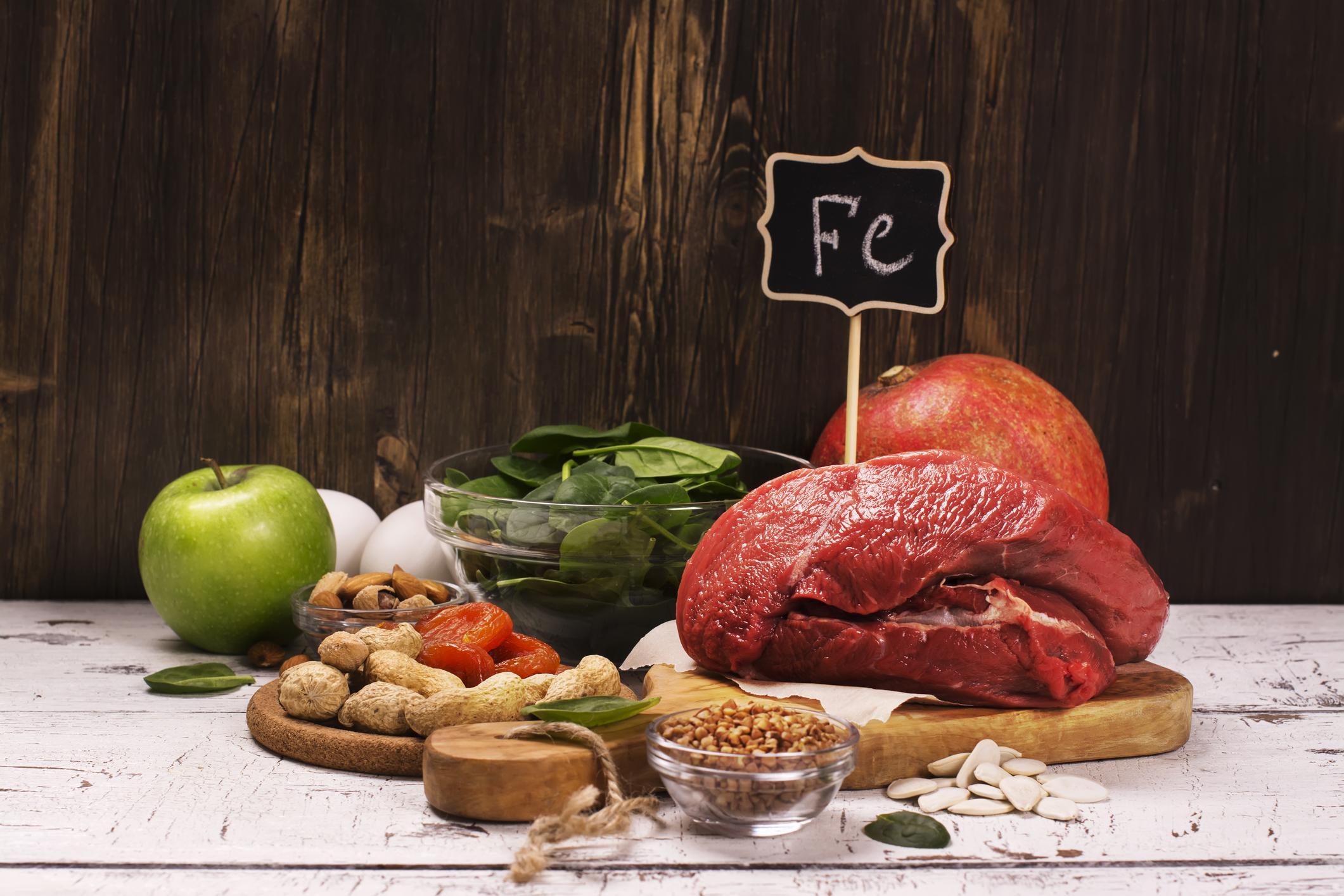 A anemia é uma condição que tem relação direta com à carência de ferro no organismo humano.