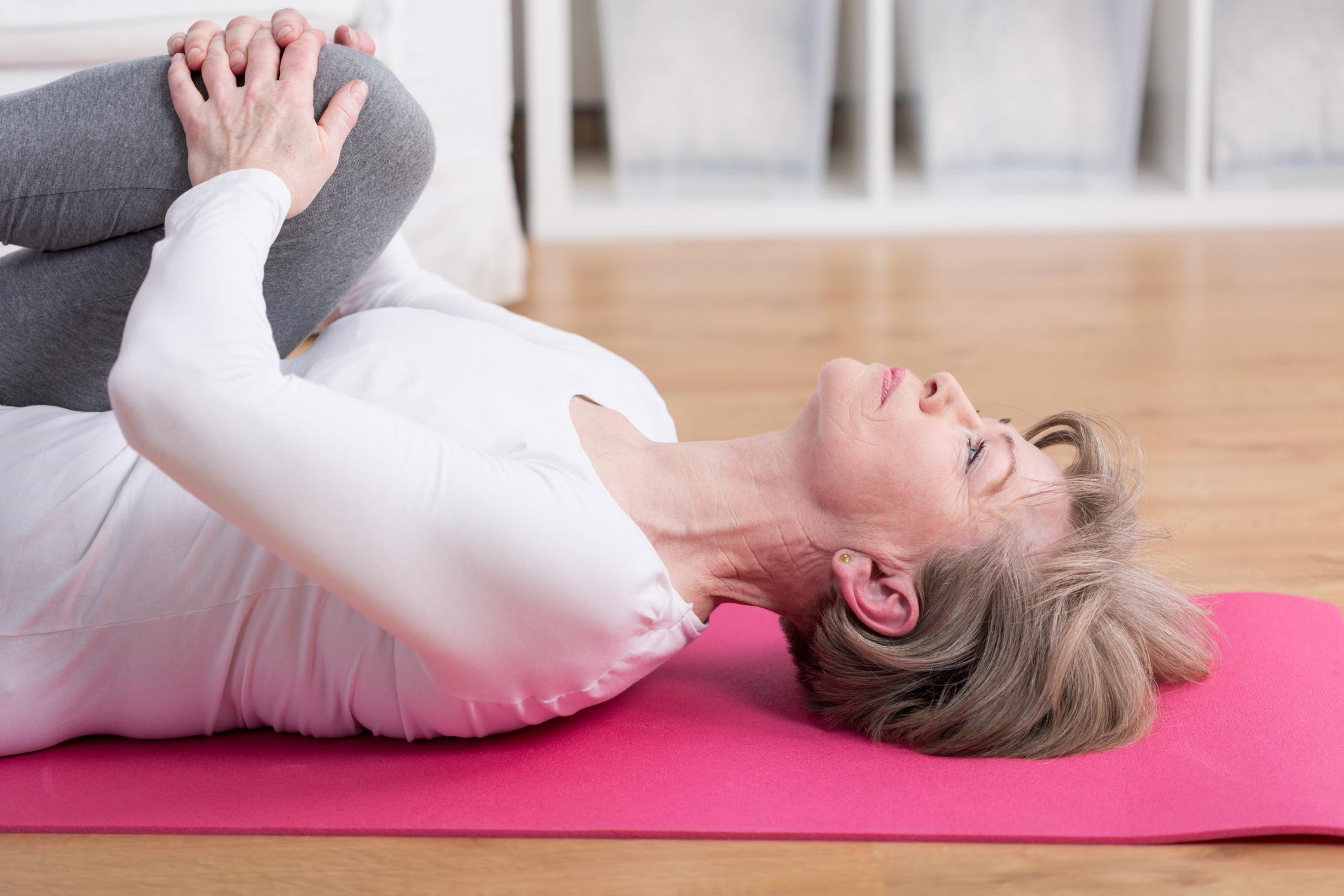 O Pilates está na moda e é uma atividade que chama a atenção de muitas pessoas que não gostam de ir à academia. Veja os benefícios do Pilates!