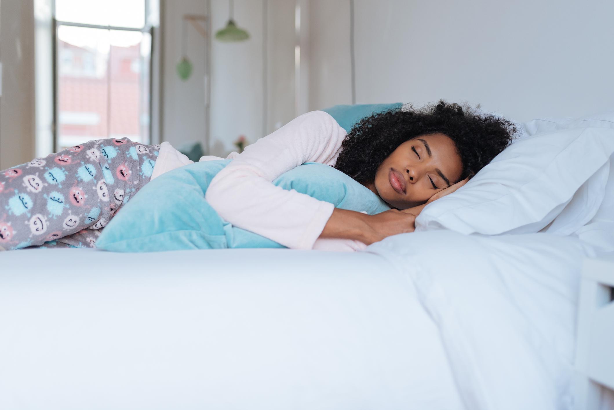 Cerca de 2 milhões de pessoas sofrem com insônia, distúrbio que prejudica o adormecer ou impede a pessoa de permanecer dormindo.